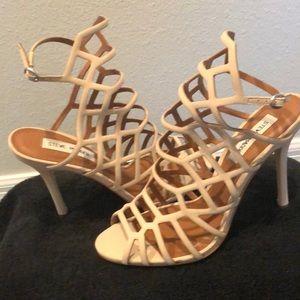 Steve Madden Beige/Nude Sz 9 1/2 Sandals